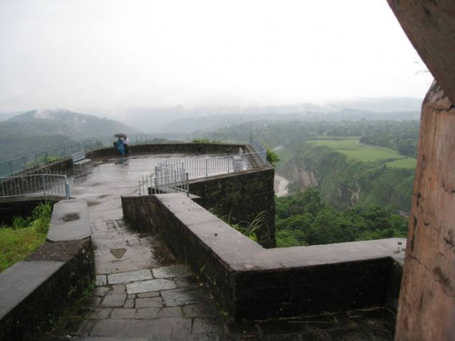 What are The Oldest Forts in India