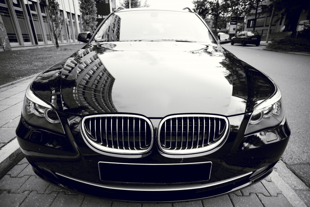 BMW 7 Series Luxury Car is among Best of the Dream Cars for Successful Entrepreneurs
