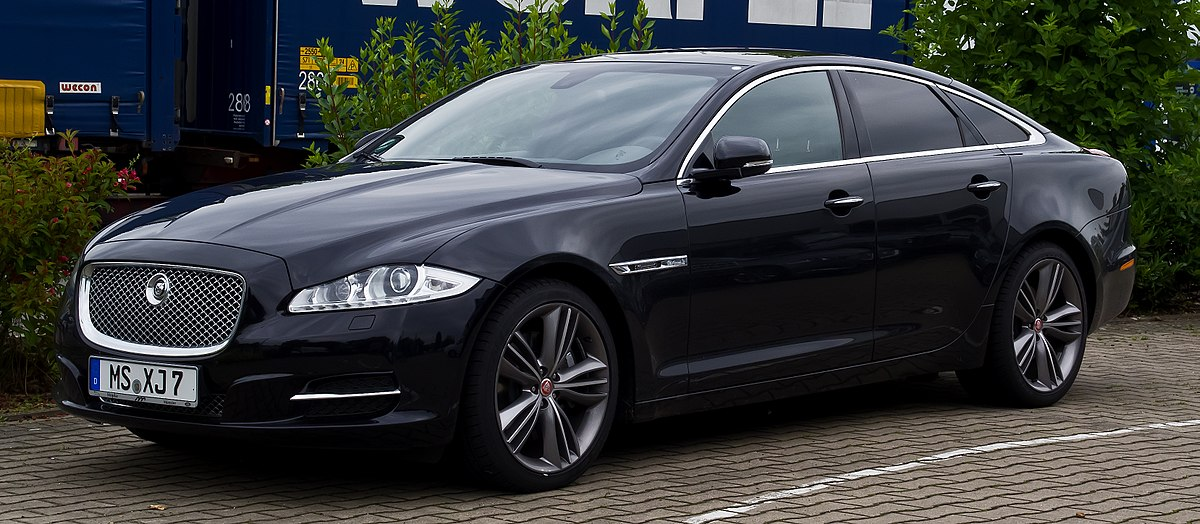 Jaguar XJ Luxury Car is among Best of the Dream Cars for Successful Entrepreneurs