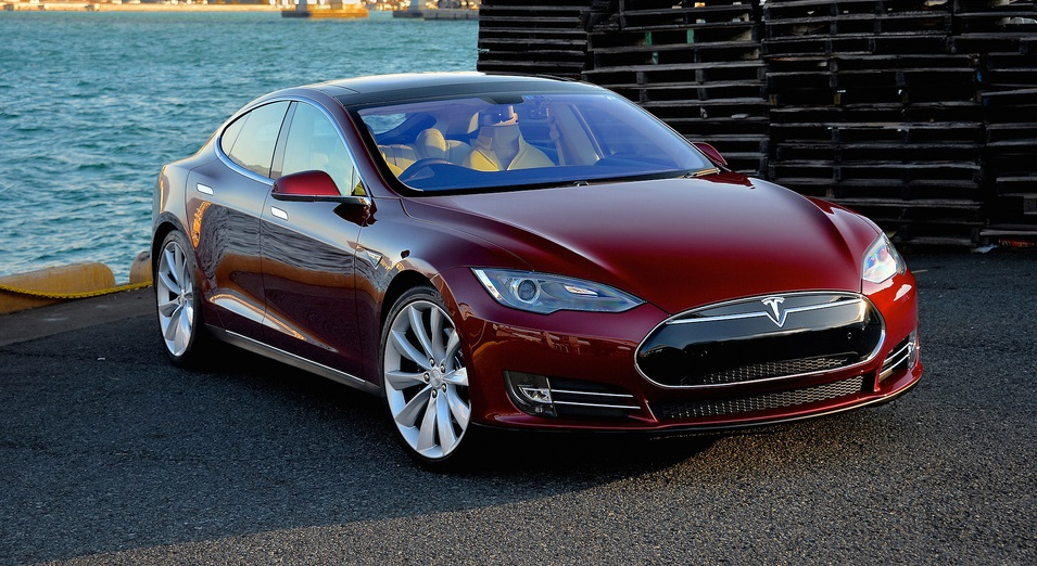 Tesla Model S Luxury Car is among Best of the Dream Cars for Successful Entrepreneurs