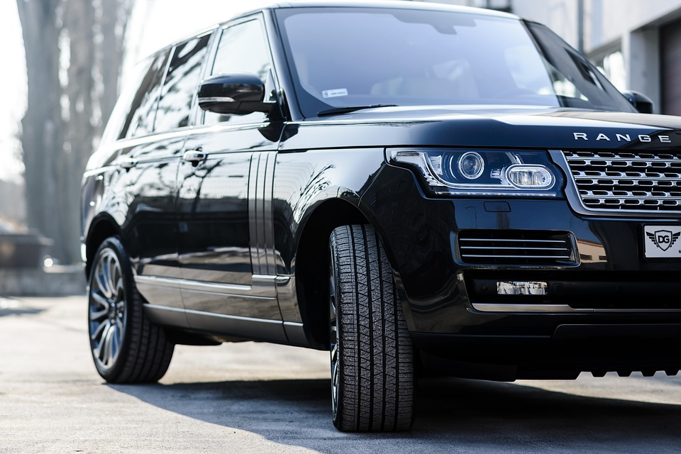 Range Rover Luxury Car is among Best of the Dream Cars for Successful Entrepreneurs