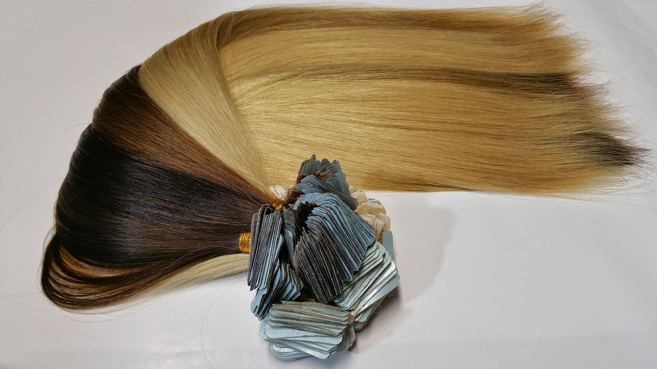 How to Apply Clip-In Hair Extensions At Home (DO-IT-YOURSELF)