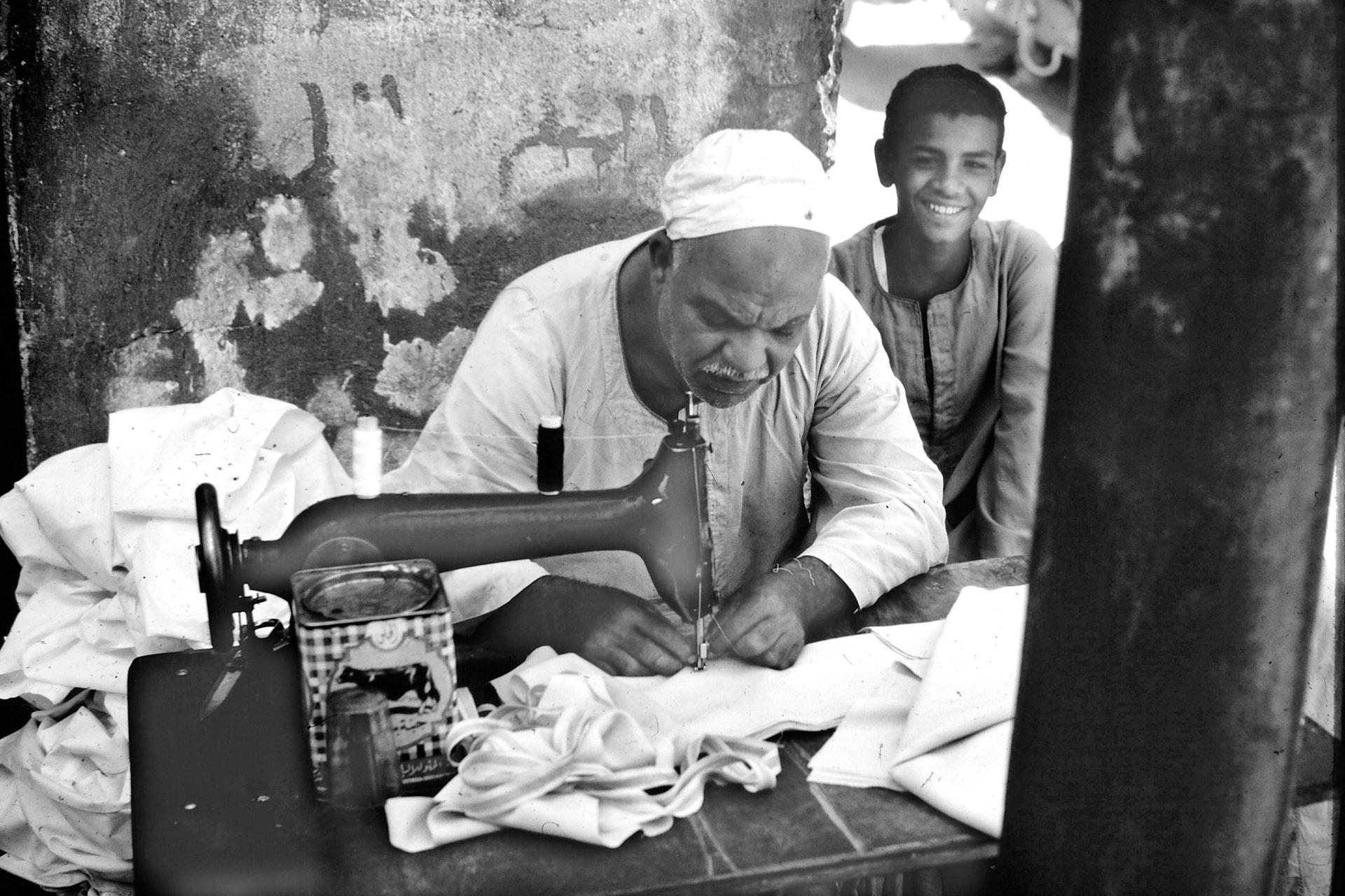 Computerized sewing machine vs mechanical sewing machine