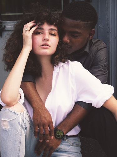 What You Should Know Before Dating Interracially