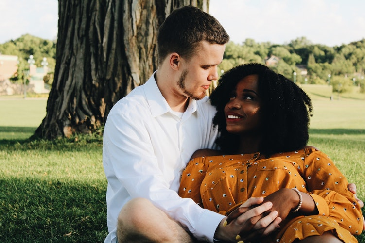 Best Ways to Start Dating Someone Interracially ASAP