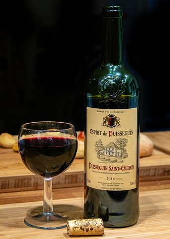 Red wine bottle and glass pic
