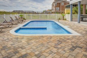 10 Signs You Should Invest in a Glass Pool Fence