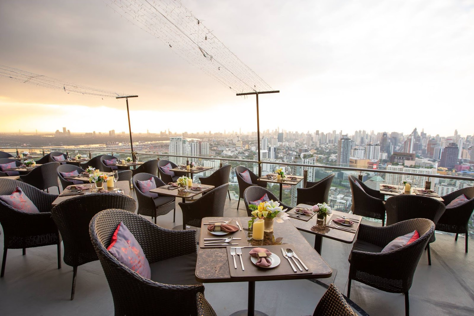 The Top Rooftop Bar in Sukhumvit: Cielo Sky Bar & Restaurant
