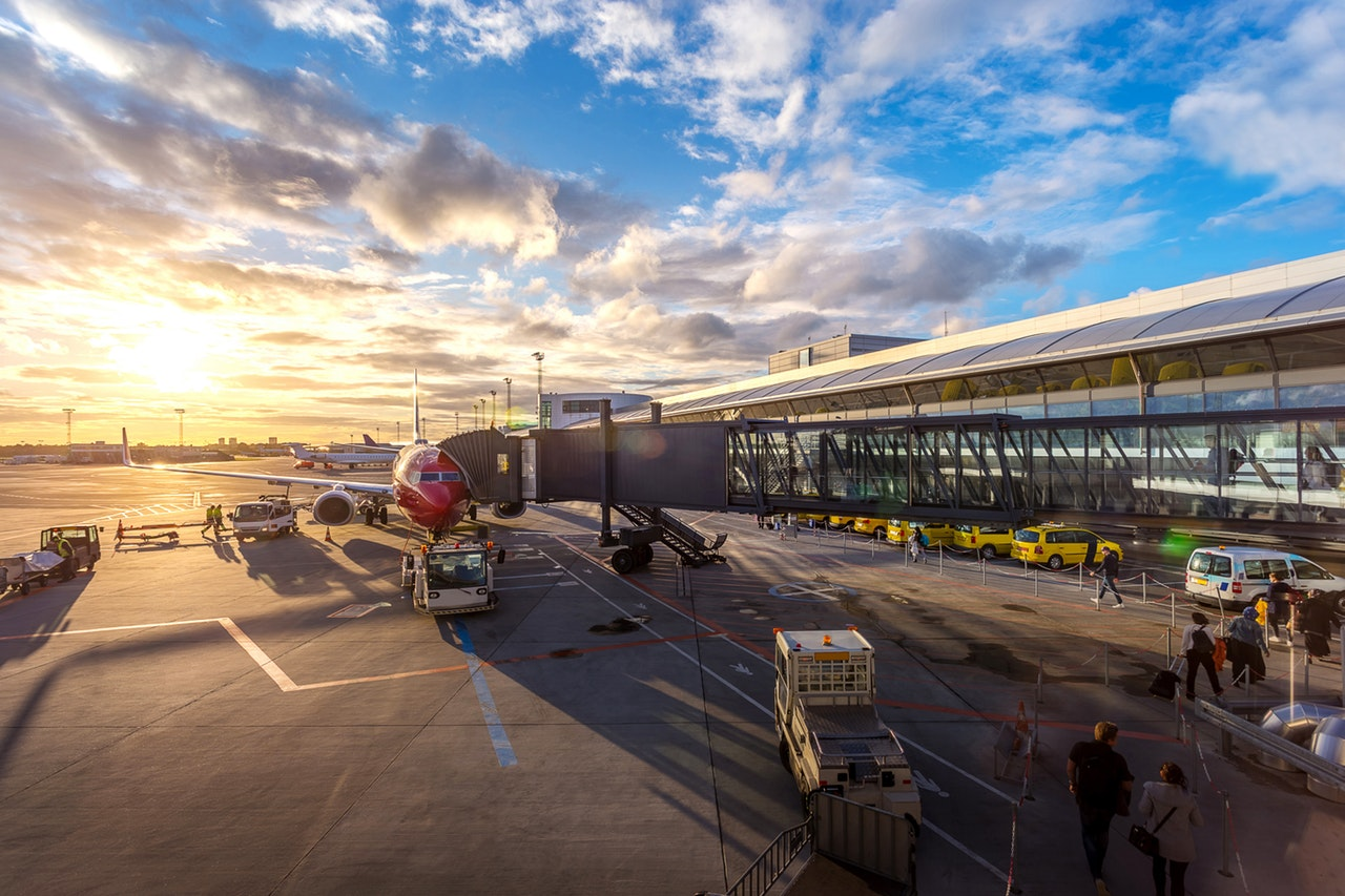 Traveling to an Airport? Here Are to 10 Money-Saving Tips
