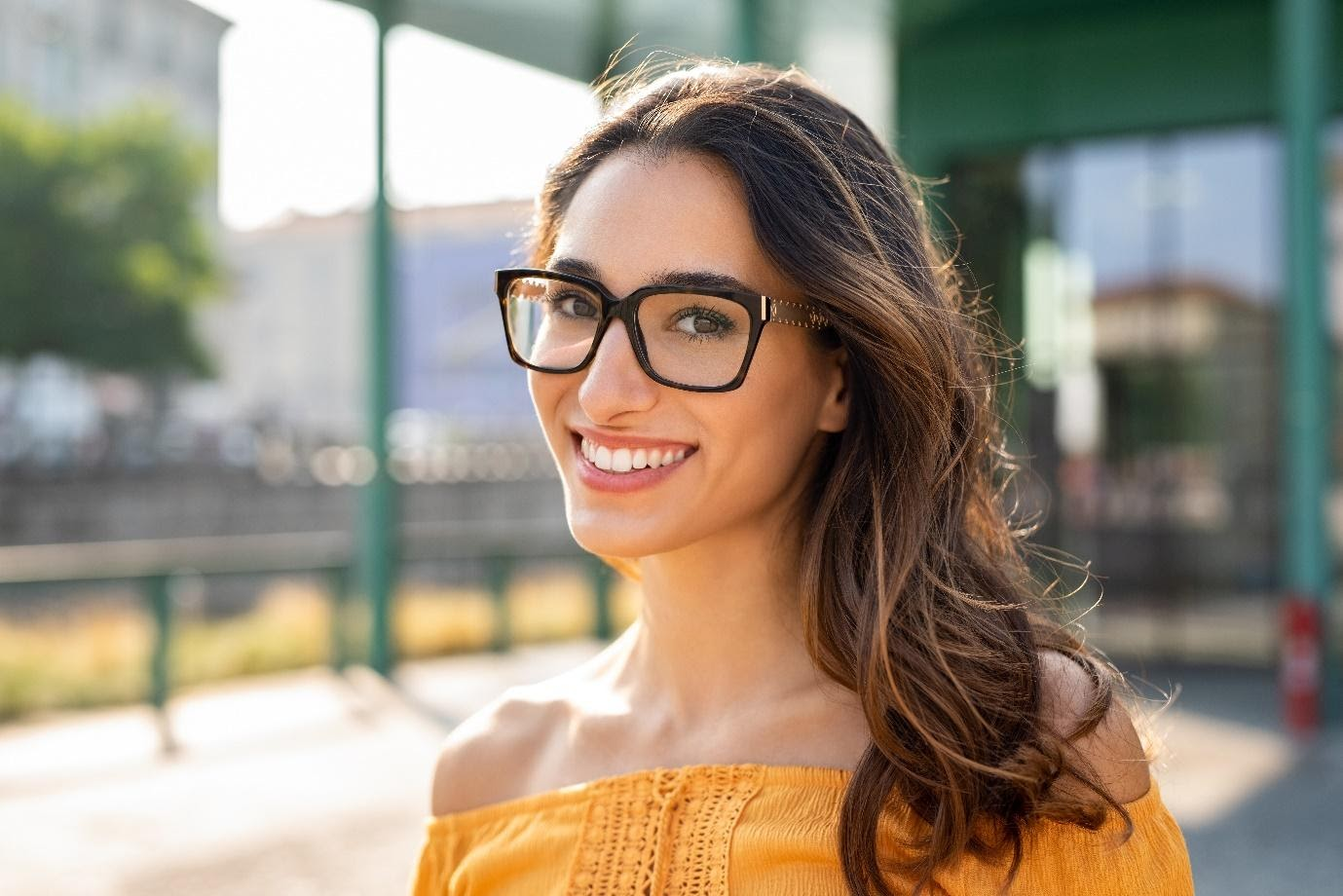 Transparent Eyeglasses to Stay On-Trend This Winter