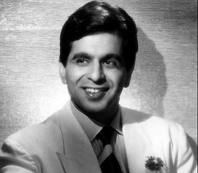 This image has an empty alt attribute; its file name is Dilip-Kumar-young-and-handsome-650x569.jpg