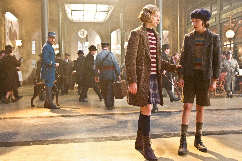 Hugo 2011 starring-Asa-Butterfield-and-Chloe-Grace-Moretz