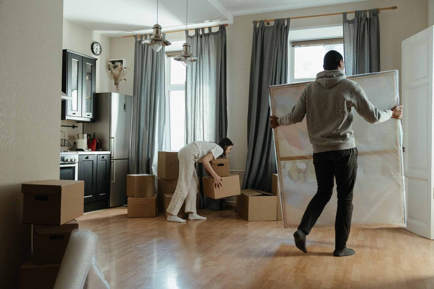 Five Tips for Moving with Friends