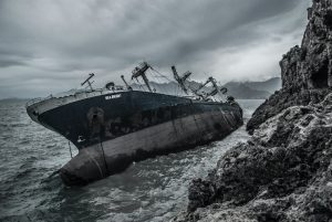 When It Creeps Out of Nowhere: 4 Leading Causes of Maritime Accidents