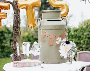 Top 5 budget-friendly and cool wedding party favors