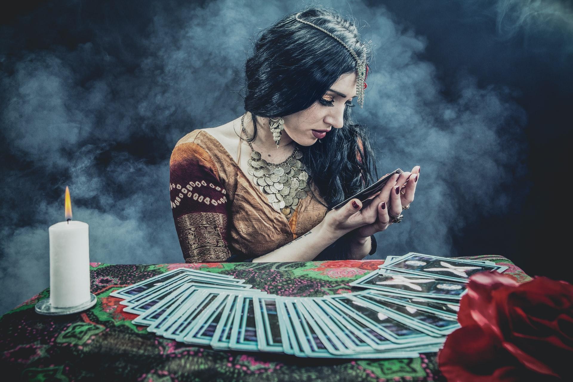 Why Online Tarot Readings Beat Other Tarot Reading Methods