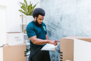 THINGS YOU NEED TO KNOW ABOUT PROFESSIONAL MOVERS