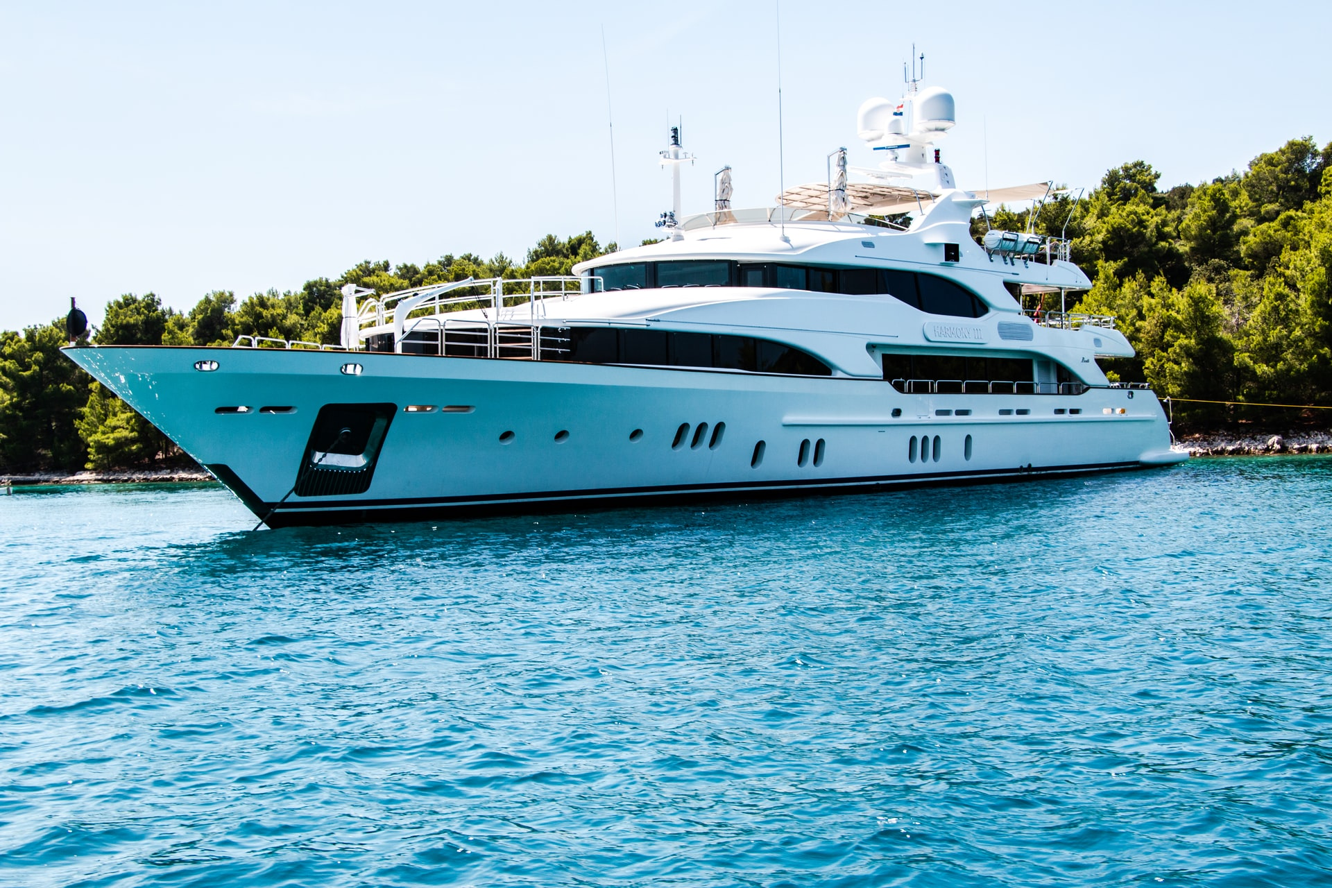 Chartering A Yacht For Your Next Vacation? Things You Need To Consider